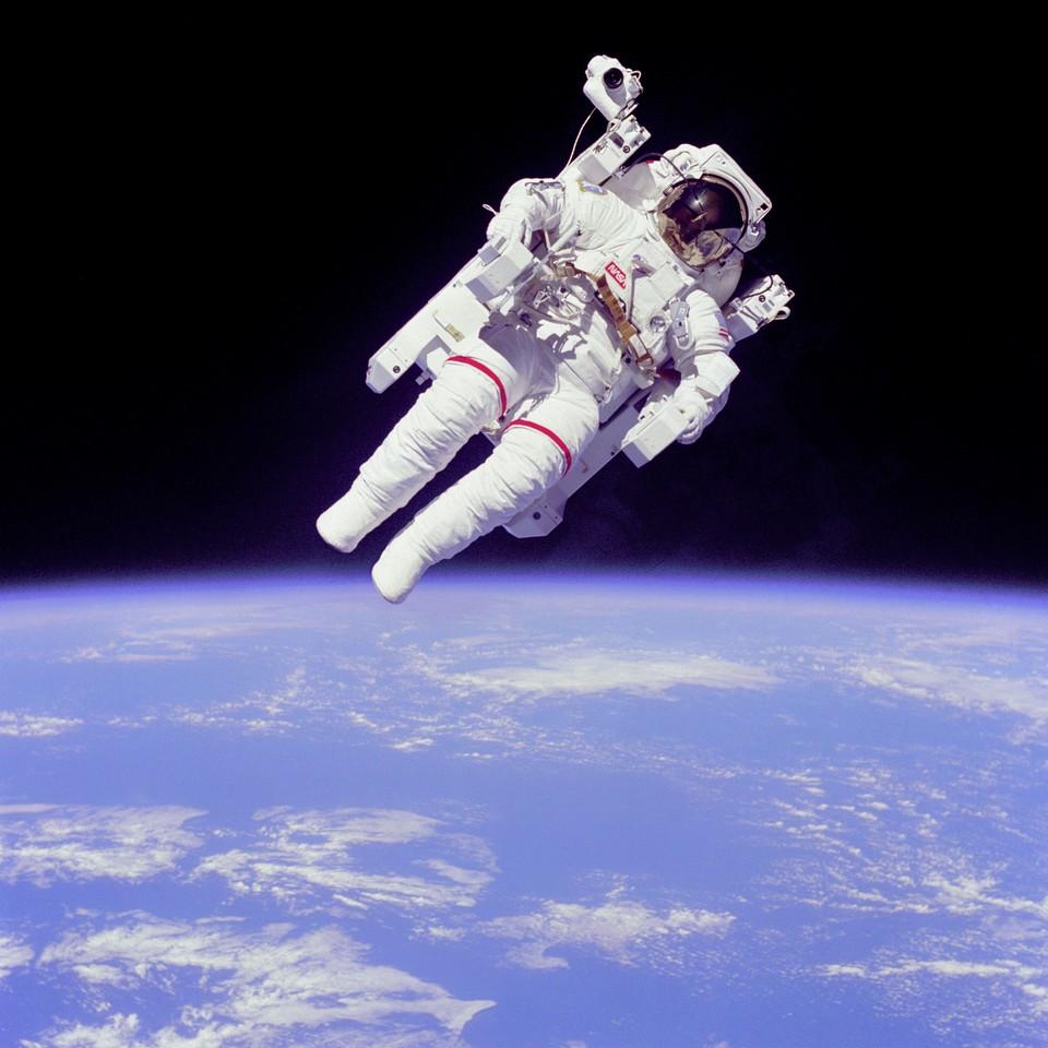 20 yüzyılın ortalarında insanlık teknoloji alanında uzayı