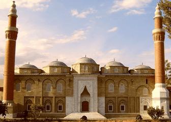 Bursa ulu camisinin dışarıdan görünümü